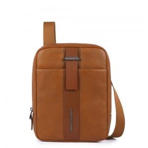 Piquadro leather mini iPad holder SS19