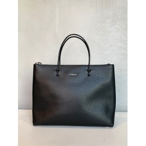 Furla Essential black SS21